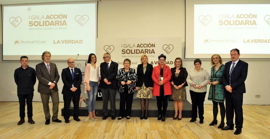 'La Verdad' y CaixaBank reconocen la «encomiable» labor de cinco asociaciones de la Región